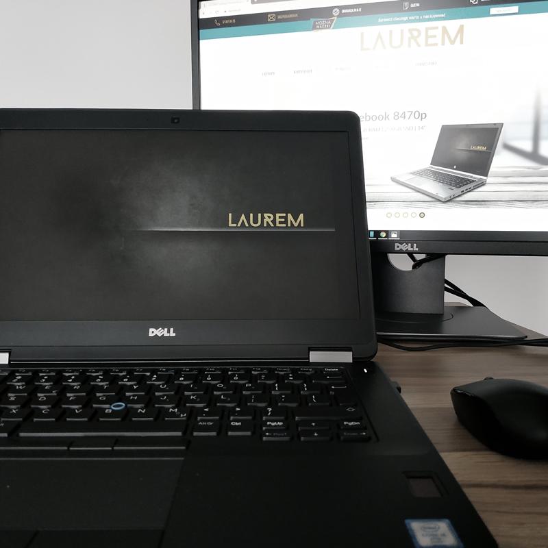 Zadokowany laptop Dell